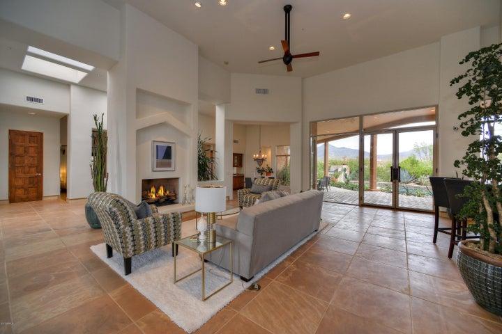 9984 E FILAREE Lane, Scottsdale, AZ 85262