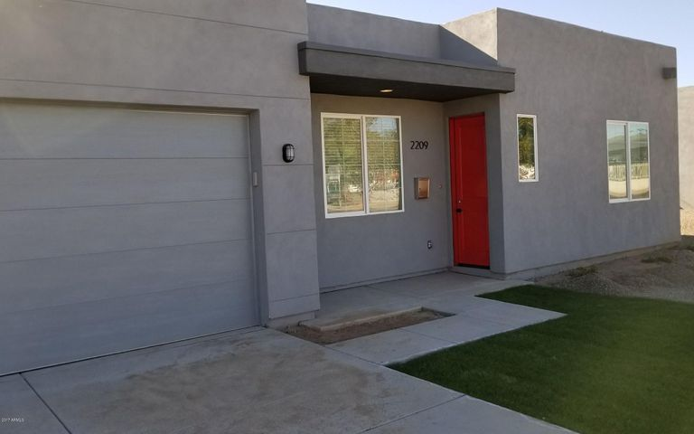 2209 W Missouri Avenue, Phoenix, AZ 85015