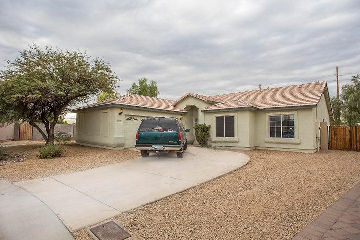 8218 W STELLA Avenue, Glendale, AZ 85303