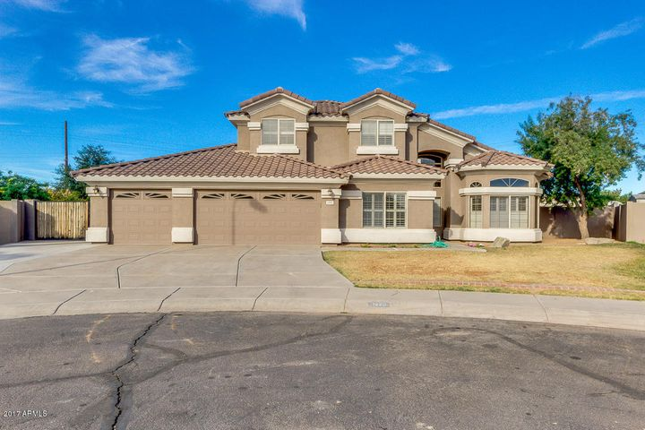 1220 S HARRINGTON Street, Gilbert, AZ 85233