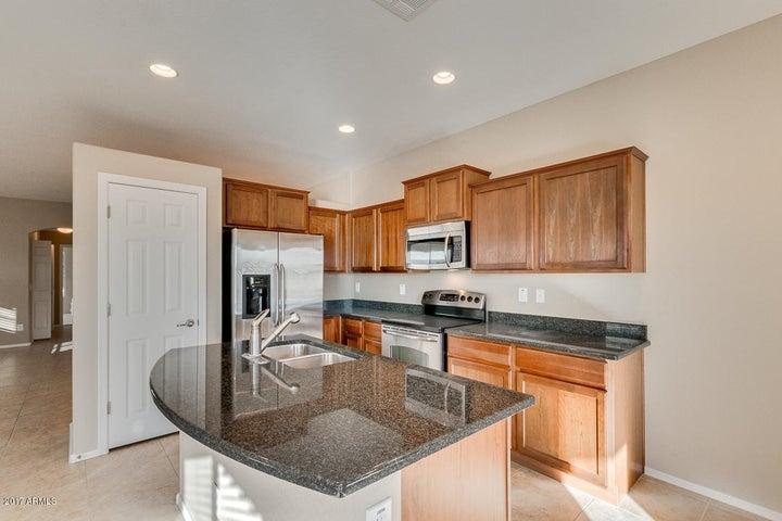 36879 W MONDRAGONE Lane, Maricopa, AZ 85138