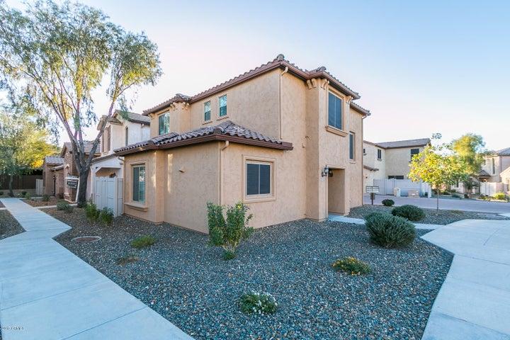 26329 N BABBLING BROOK Drive, Phoenix, AZ 85083