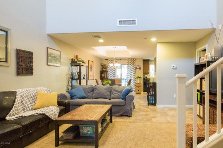 815 E ROSE Lane, 104, Phoenix, AZ 85014