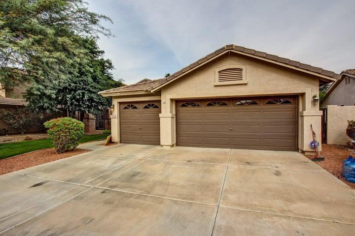 1582 E ROBINSON Way, Chandler, AZ 85225