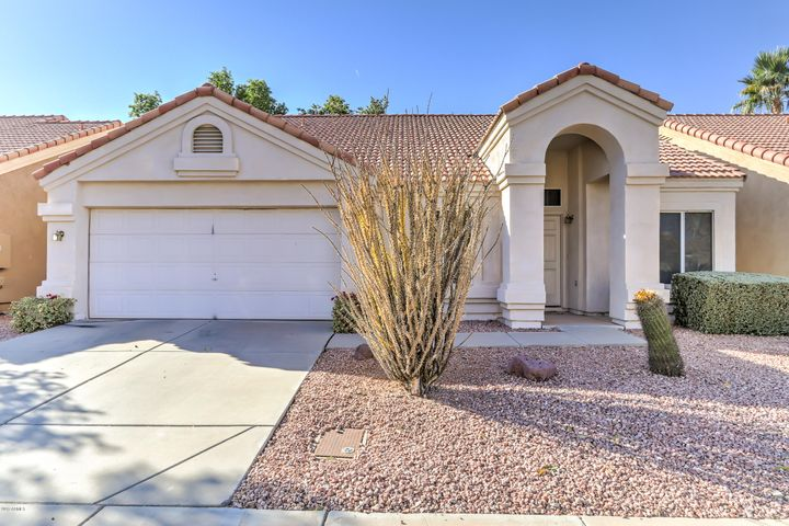 1030 S SURFSIDE Drive, Gilbert, AZ 85233