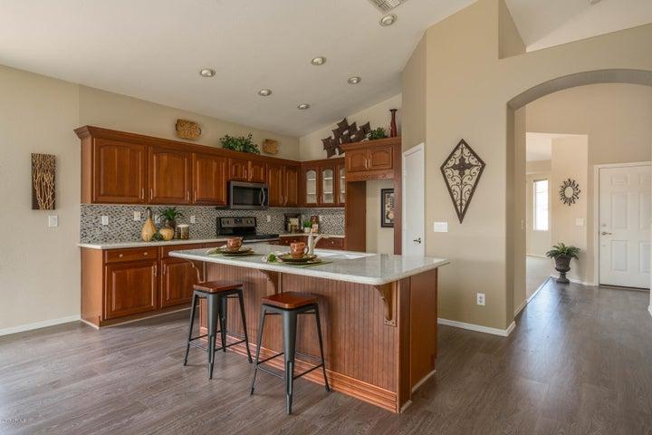 7583 W NORTHVIEW Avenue, Glendale, AZ 85303
