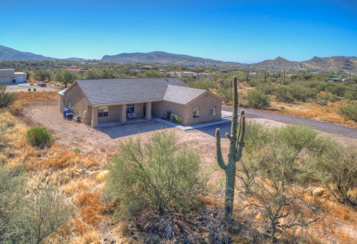 44438 N 20th Street, New River, AZ 85087