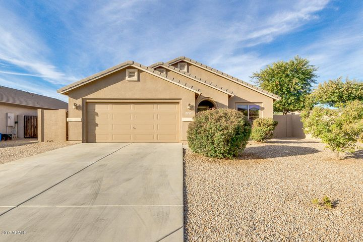 30776 N OBSIDIAN Drive, San Tan Valley, AZ 85143