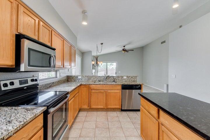 1703 W HIDDENVIEW Drive, Phoenix, AZ 85045