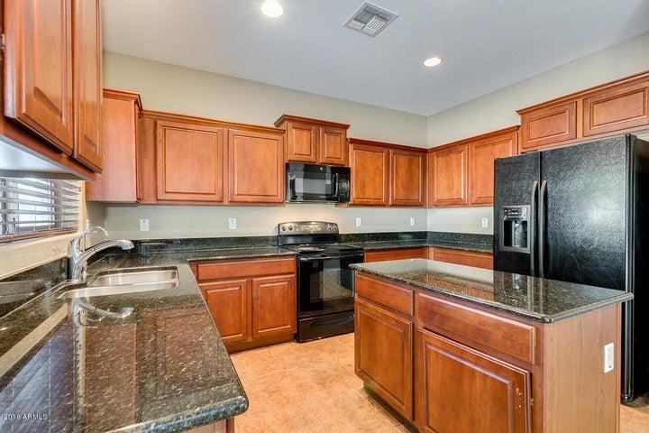 42984 W ELIZABETH Avenue, Maricopa, AZ 85138