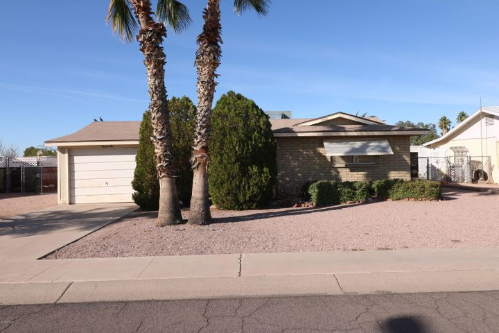 1110 S MAIN Drive, Apache Junction, AZ 85120