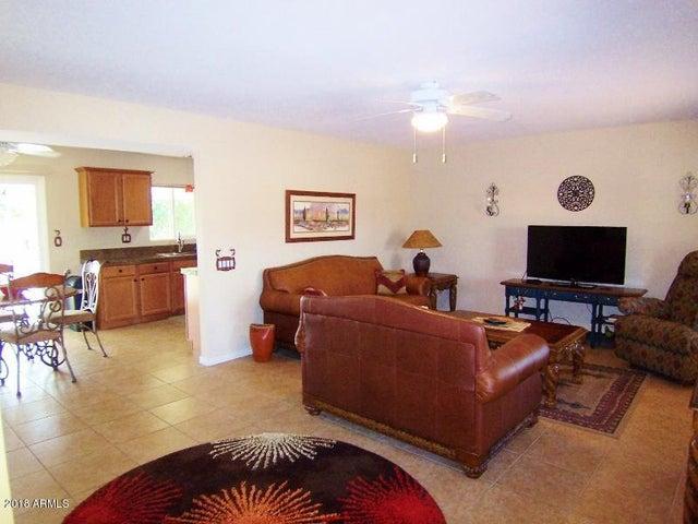 9601 W OAKSTONE Drive, Sun City, AZ 85351