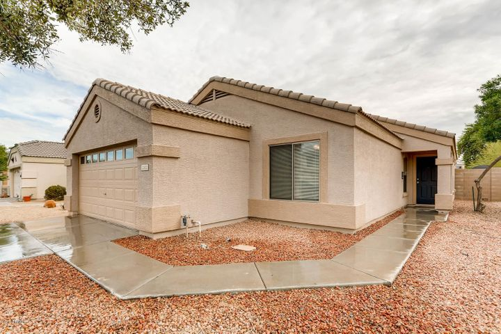 Large private side entry, NO HOA