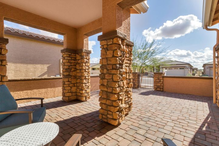 17886 W Silver Fox Way, Goodyear, AZ 85338