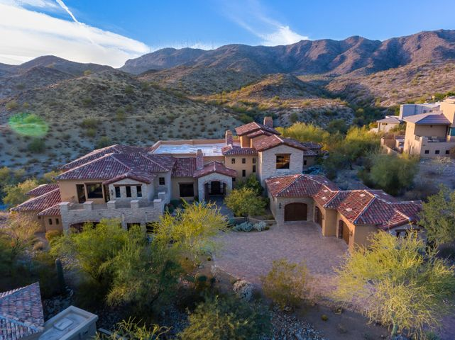13808 S CANYON Drive, Phoenix, AZ 85048