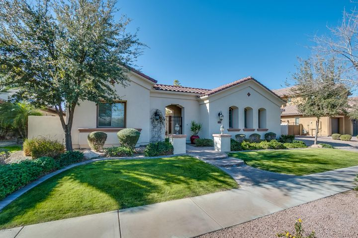 4050 S PACIFIC Drive, Chandler, AZ 85248