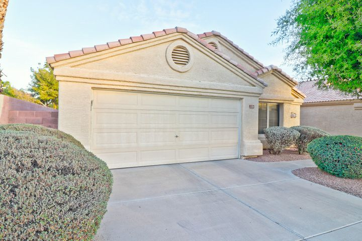 14086 W PUEBLO Trail, Surprise, AZ 85374