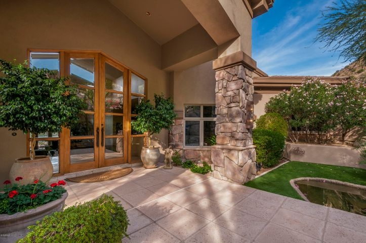 5525 E ROAD RUNNER Road, Paradise Valley, AZ 85253