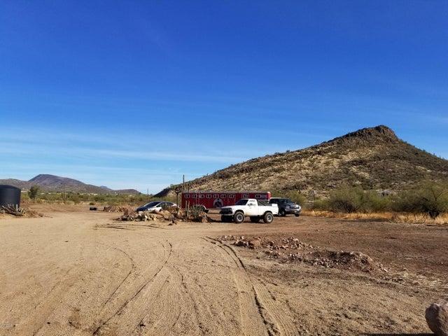 44405 N NEW RIVER Road, New River, AZ 85087