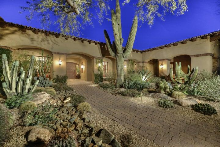 8472 E Moonlight Pass, Scottsdale, AZ 85266