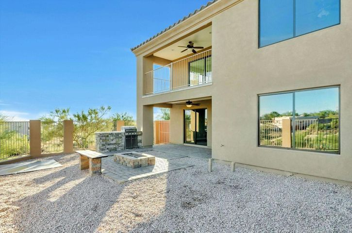 15942 E SUNFLOWER Drive, B, Fountain Hills, AZ 85268