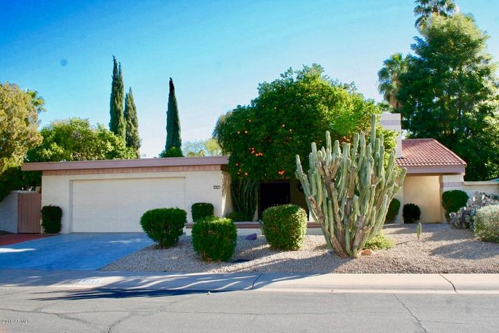 8643 N WILLOWRAIN Court, Scottsdale, AZ 85258