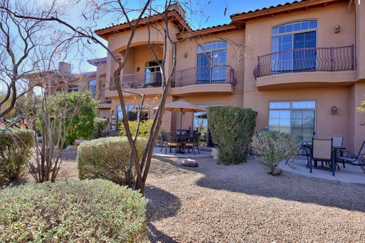 Sit on your patio or balcony & enjoy views of the famous Fountain, the park & mountains