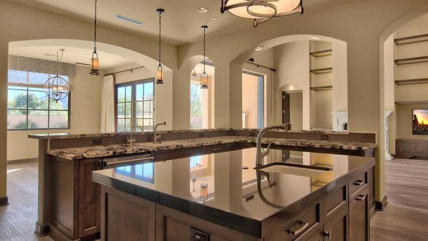 6605 N 39TH Way, Paradise Valley, AZ 85253