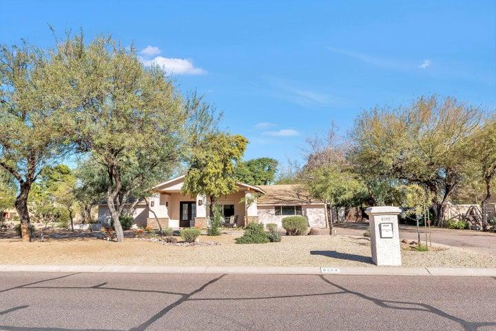 6202 E MESCAL Street, Scottsdale, AZ 85254