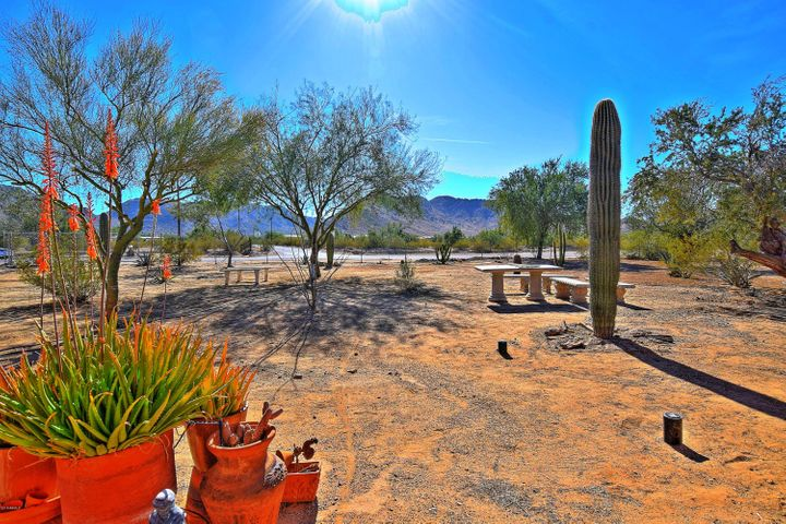 6720 W HUNT Highway, Queen Creek, AZ 85142