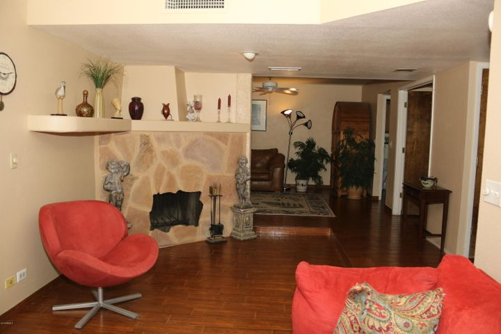 4613 E EUCLID Avenue, Phoenix, AZ 85044