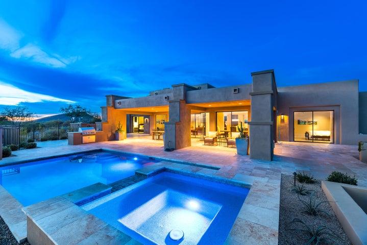 Gracious Spa & covered patios