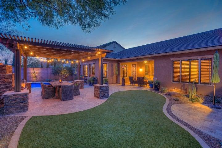 4135 S CAMELLIA Drive, Chandler, AZ 85248