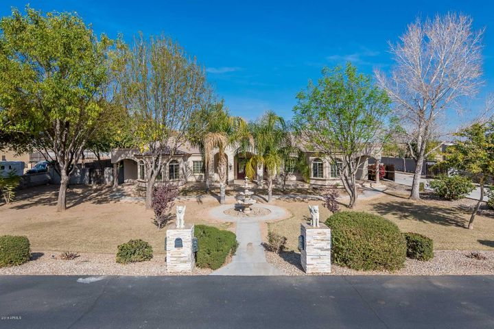 18918 W COLLEGE Drive, Litchfield Park, AZ 85340