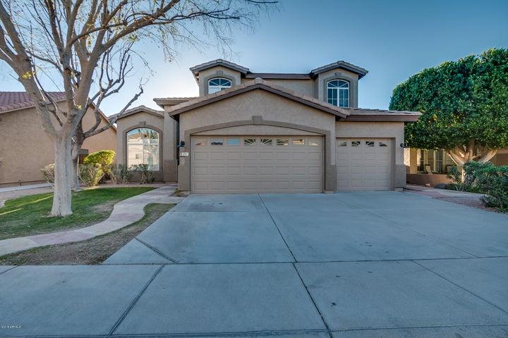891 N HARMONY Avenue, Gilbert, AZ 85234