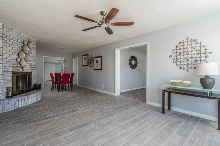 1812 N 48TH Place, Phoenix, AZ 85008