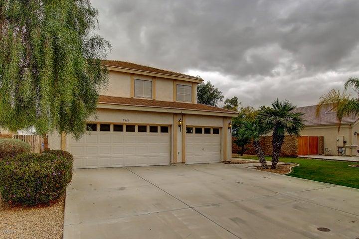 969 S WESTERN SKIES Drive, Gilbert, AZ 85296