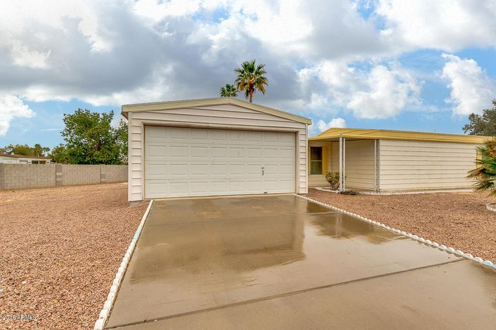 9002 E CITRUS Lane N, Sun Lakes, AZ 85248