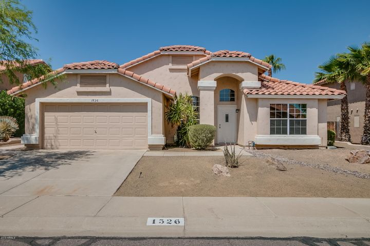 1526 E WINDSONG Drive, Phoenix, AZ 85048