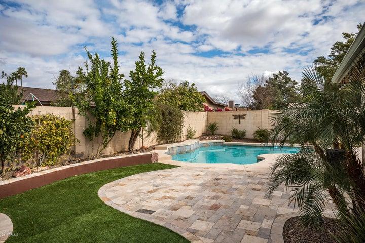 326 W Taro Lane, Phoenix, AZ 85027