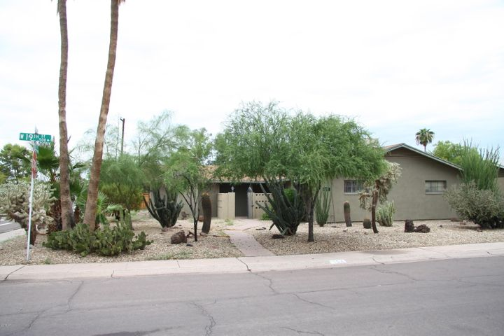 554 W 19TH Street, Tempe, AZ 85281