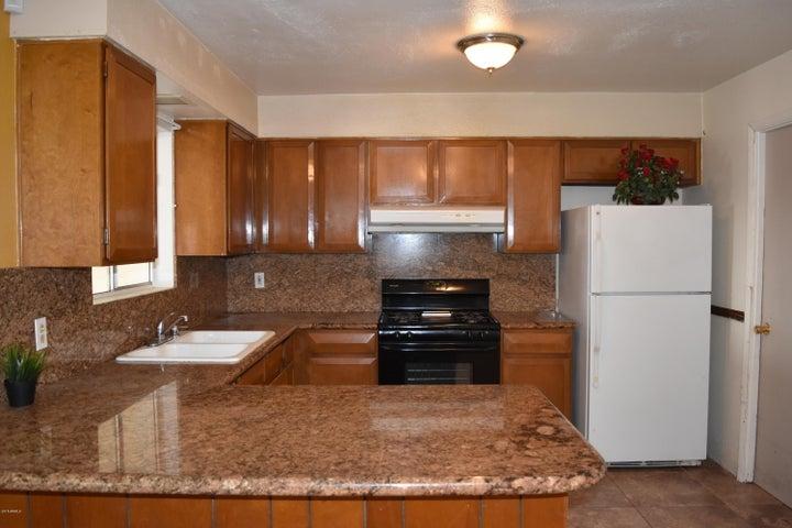 4877 W BERKELEY Road, Phoenix, AZ 85035