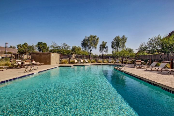 2725 E MINE CREEK Road, 1207, Phoenix, AZ 85024