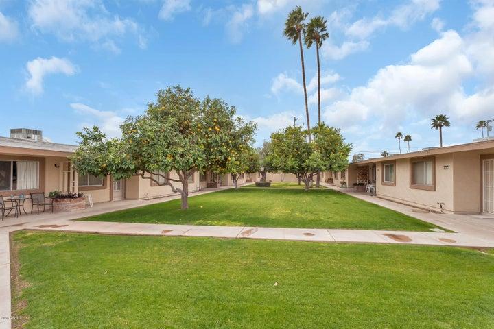 10607 W COGGINS Drive, Sun City, AZ 85351