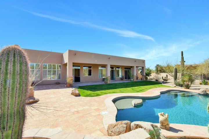 8706 E YEARLING Road, Scottsdale, AZ 85255