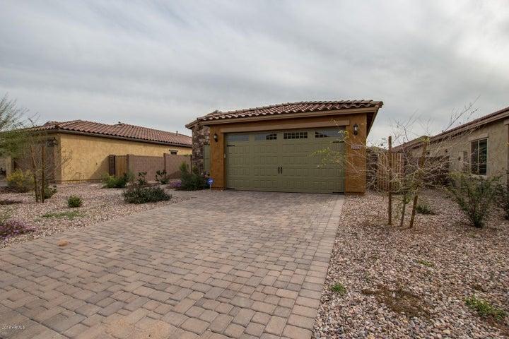 2715 E Mews Road, Gilbert, AZ 85298