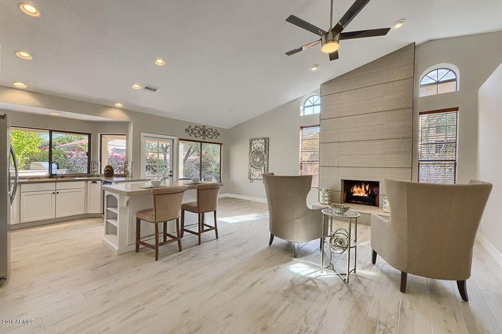 Kitchen opens to Family Rm