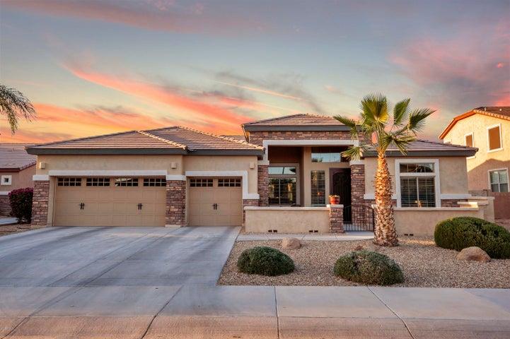 15454 W MINNEZONA Avenue, Goodyear, AZ 85395