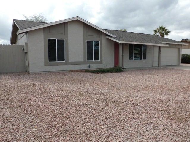 4721 W LAVEY Road, Glendale, AZ 85306