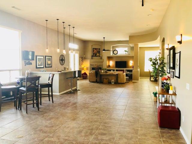 6420 W WILLOW Avenue, Glendale, AZ 85304